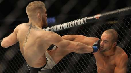 Conor McGregor vs. Eddie Alvarez