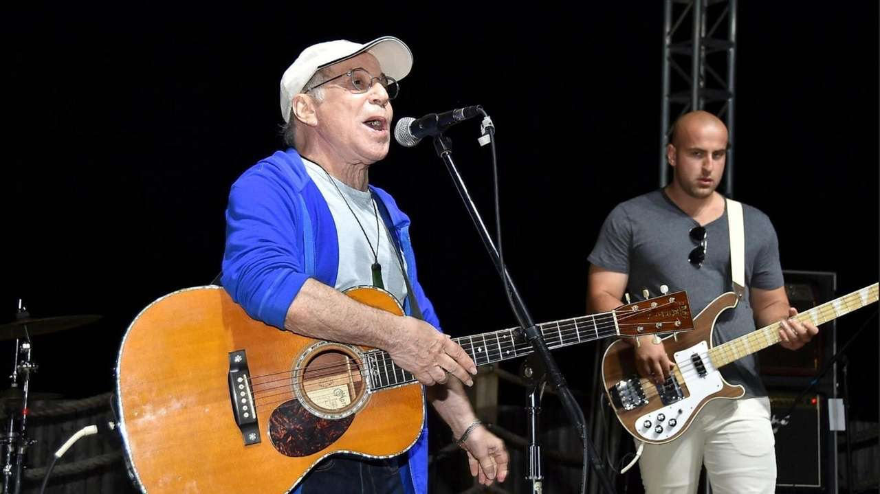 Paul Simon performed