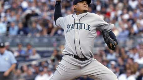 Seattle Mariners' Felix Hernandez pitches during the first