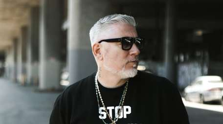 L.I.-raised rapper-singer Everlast is performing at the Paramount