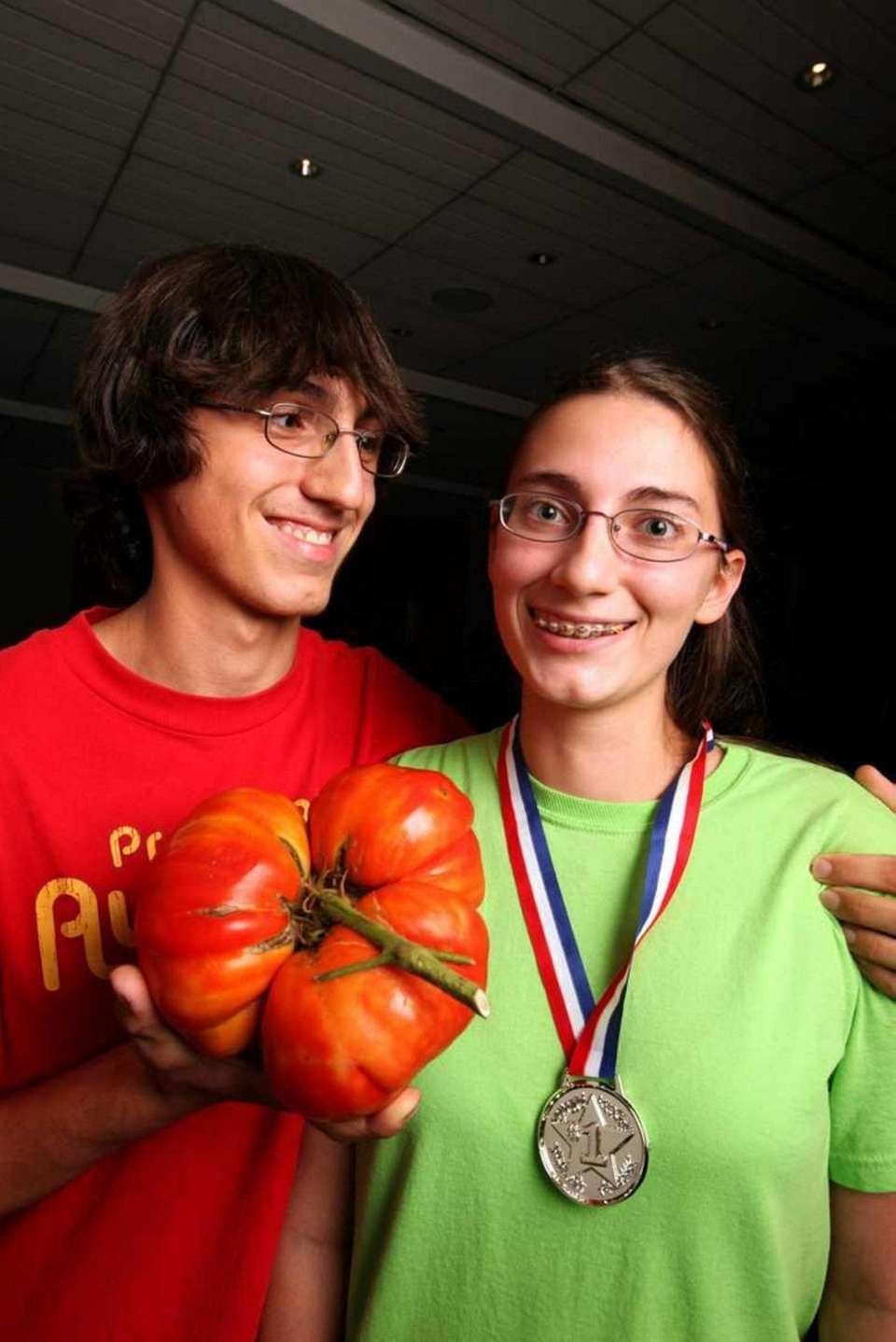 At the Great Tomato Weigh-in Contest held at