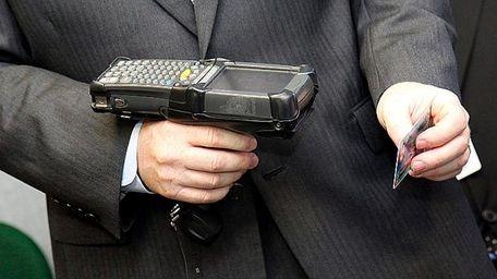 An Intellicheck scanner.