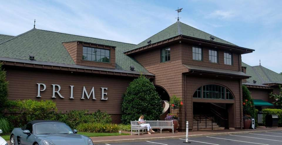 Prime: An American Kitchen and Bar, Huntington: Dining