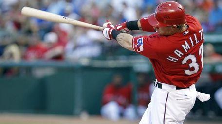 Texas Rangers left fielder Josh Hamilton (32) hits