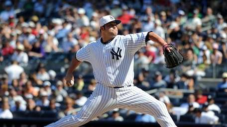 New York Yankees relief pitcher Joba Chamberlain (62)