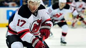 Free agent winger Ilya Kovalchuk announced his contract