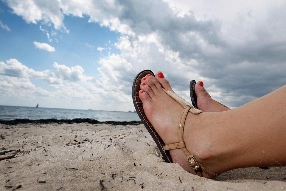 MIAMI, FL - MAY 10: Lia Calavro sits