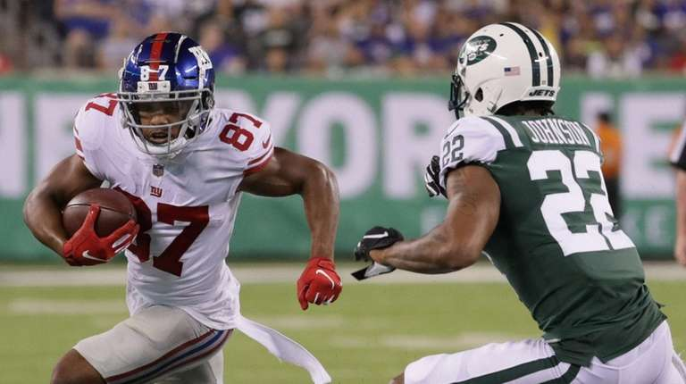 Giants wide receiver Sterling Shepardruns with the ball
