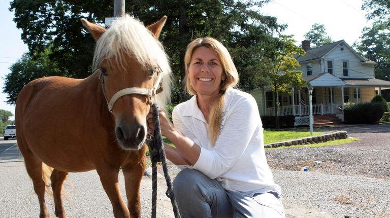 Lisa Gatti, founder of Pal-O-Mine Equestrian in Islandia,