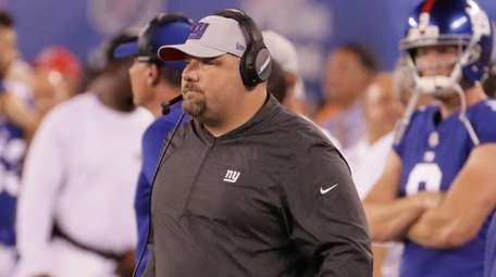Giants defensive coordinator James Bettcher at MetLife Stadium