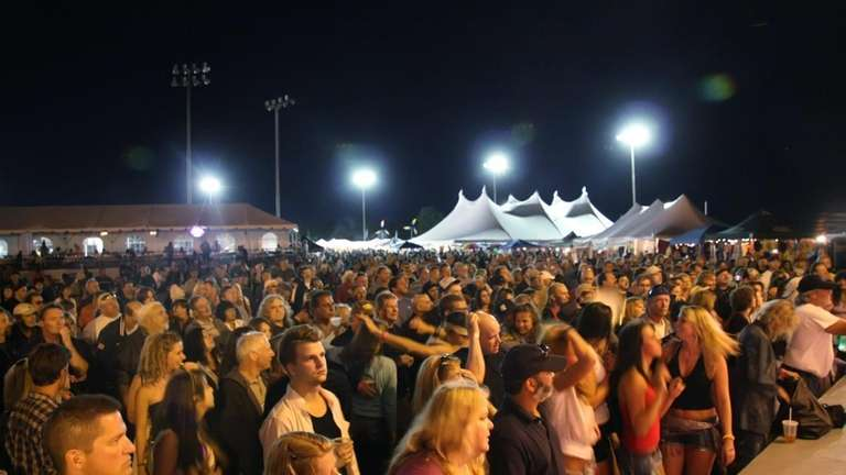 Fans flock to the Great South Bay Music