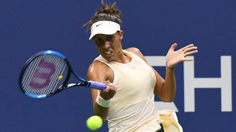 Madison Keys returns to Carla Su‡rez Navarro during