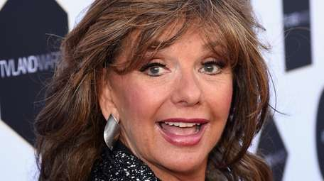 Dawn Wells attends the 2015 TV Land Awards