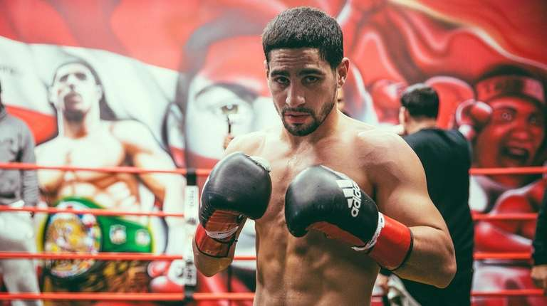 Danny Garcia trains for March 4 title unification