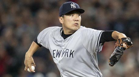 Starter Masahiro Tanaka #19 of the New York