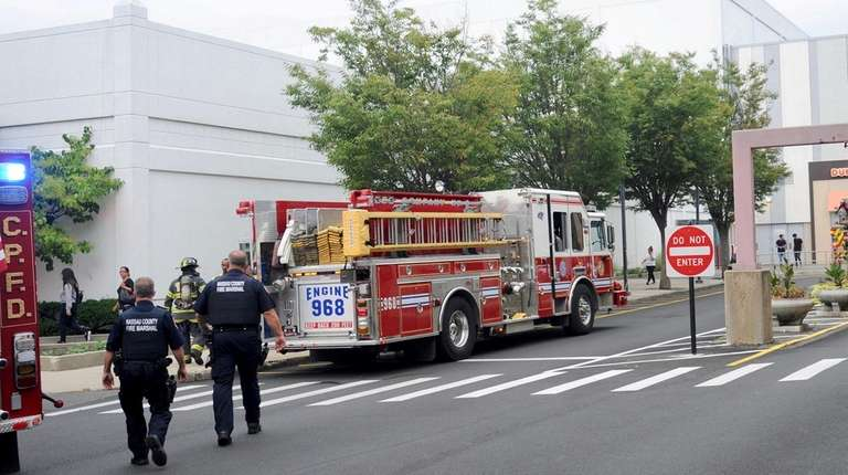 Store fire causes evacuation at Roosevelt Field mall | Newsday