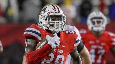 Stony Brook defensive back Damarcus Miller returns an