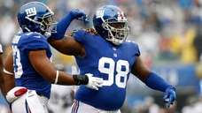Damon Harrison of the Giants reacts after a