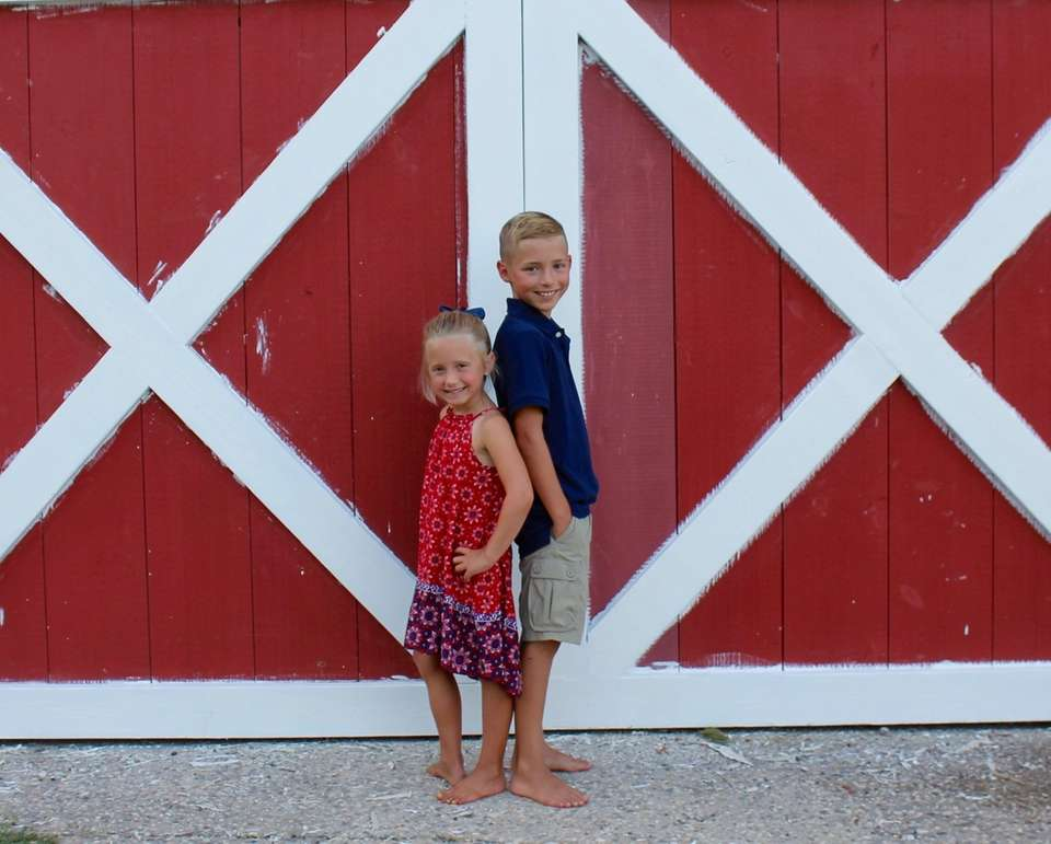 Sadie and Owen@ Harbes farm
