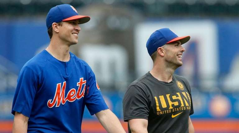 David Wright and Jacob deGrom of the Mets