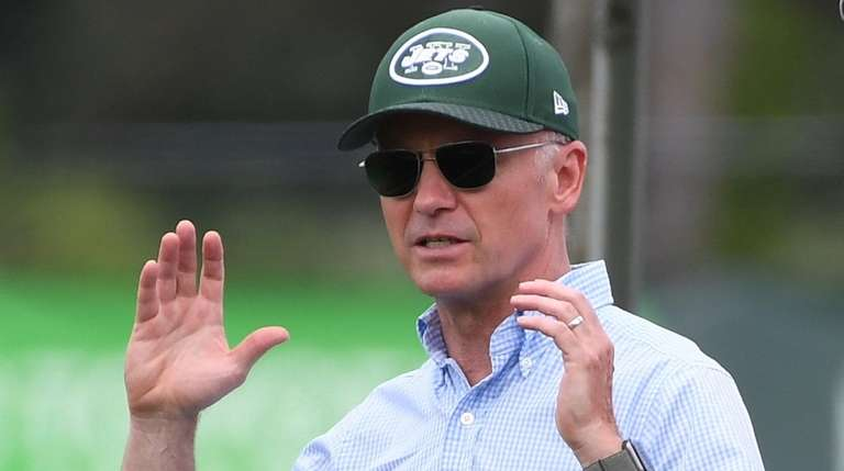 Jets chairman and CEO Christopher Johnson at training