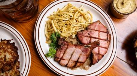 Kasseler Rippchen, smoked pork chops served with French