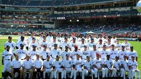 The American League All-Stars pose for their team