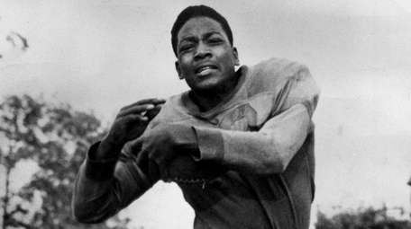Jim Brown played football, baseball, lacrosse and track