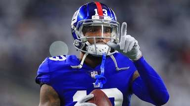 Giants wide receiver Odell Beckham Jr. points to
