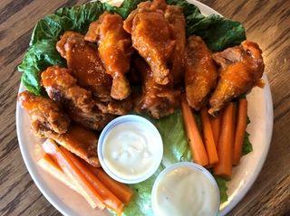 Buffalo wings at Vintage Sports Bar & Lounge,