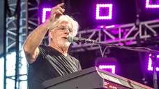Michael McDonald will play The Paramount in Huntington