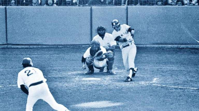The Yankees's Bucky Dent hits a home run