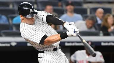 Yankees rightfielder Aaron Judge flies out against the