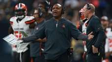 Browns head coach Hue Jackson reacts on the