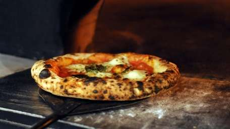 Margherita pizzettes are a popular choice at Pizzetteria