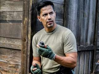 Jay Hernandez is nothing like Tom Selleck in