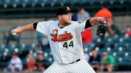 Long Island Ducks starting pitcher Matt Larkins delivers