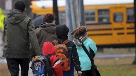 Long Island children head for the school bus