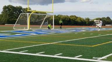 Shawn Coles scored two goals to lead Hauppauge