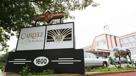 The Carlyle at the Palace in Plainview abruptly