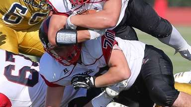 A sportsmanship rule encourages Nassau high school football