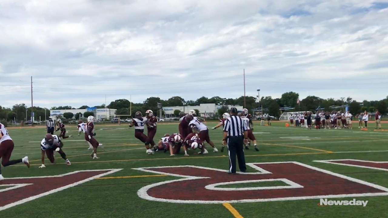 Bay Shore picks up homecoming win