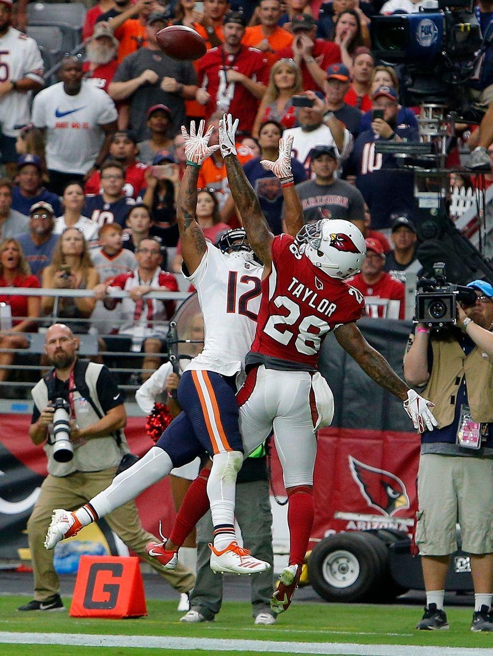 Arizona Cardinals defensive back Jamar Taylor (28) defends