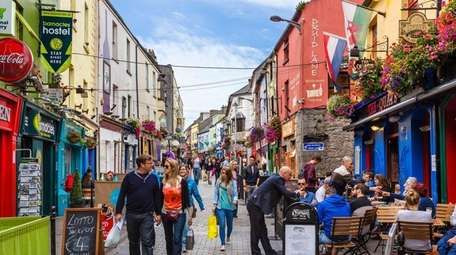 Situated in the northeastern corner of Galway Bay,