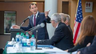Rep. Thomas Suozzi discusses the 495 Research Corridor