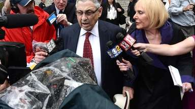 Former Assembly Speaker Sheldon Silver leaves federal court