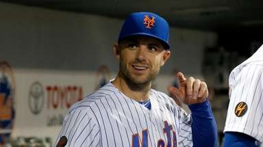 David Wright #5 of the Mets looks on