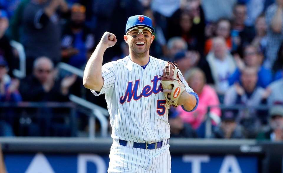 David Wright of the Mets reacts after a