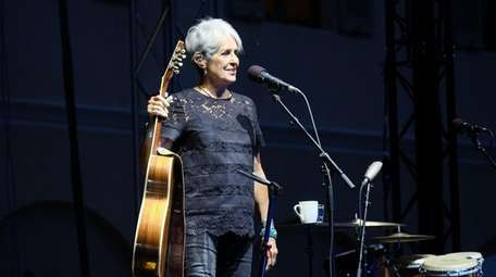Joan Baez on stage at the Attraverso Festival