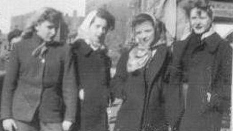From left, Ellen McGrath Rettig, Mary McGee Aretakis,